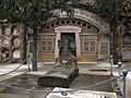 044 Panteó Fornell Torrabadella i tomba.jpg