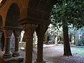 086 Monestir de Sant Benet de Bages, claustre.jpg