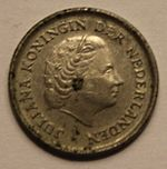 10 cents Dutch guilder (1979) front.JPG