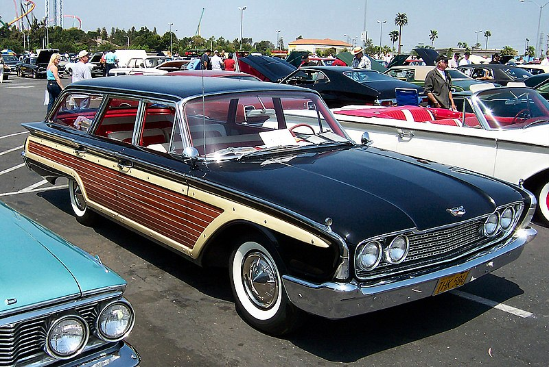 File:1960 Ford Country Squire.jpg