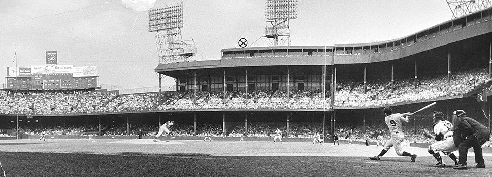 1961 Roger Maris Tiger Field home run.jpeg