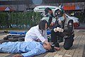2000년대 초반 서울소방 소방공무원(소방관) 활동 사진 신속한 응급조치.JPG