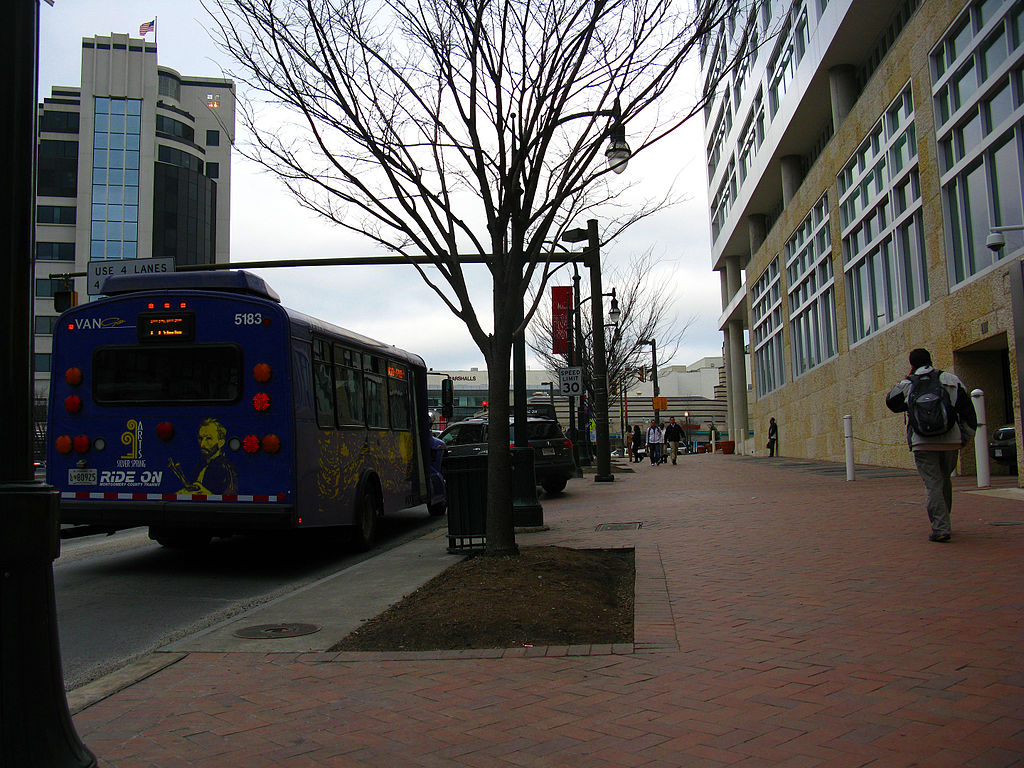 File:2009 03 10 - 2730 - Silver Spring - MD384 @ Discovery ...
