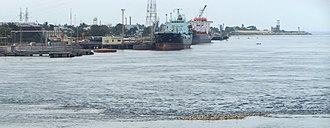 Transport in Ivory Coast - Image: 2009 Abidjan port 3842716900