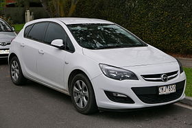 2012 Opel Astra (AS) 1.4 Turbo 5-door hatchback (2015-07-10) 01.jpg