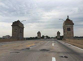 Hanover Street Bridge - View south driving across the bridge