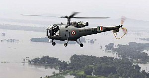 2017 Gujarat flood - Helicopter deployed by Indian Air Force for rescue
