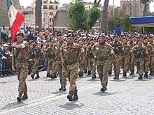La Bandiera di guerra del Corpo Militare volontario della Croce Rossa Italiana - Ausiliario delle Forze Armate Italiane - sfila per via dei Fori Imperiali a Roma il 2 giugno 2006 durante la Celebrazione della Festa della Repubblica