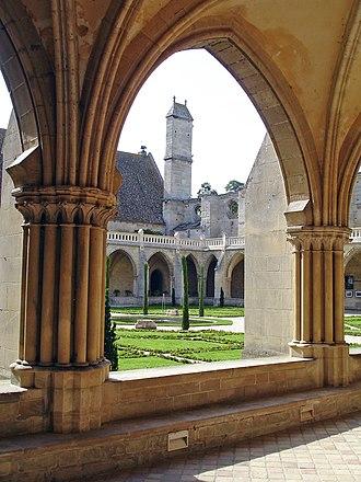 Les amitiés particulières (film) - Cloister at Royaumont Abbey