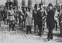 Accueil Pershing Général Dumas Boulogne 1917.jpg