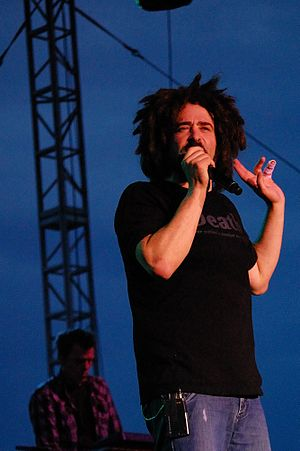 Adam Duritz - Duritz on the levee in Saint Louis with Counting Crows