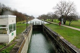 Canal de l'Aisne à la Marne - Lock 14 on Canal de l'Aisne à la Marne