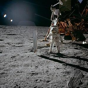 Aldrin Next to Solar Wind Experiment - GPN-2000-001211.jpg