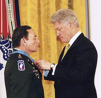 English: United States President Bill Clinton ...