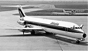 Alitalia DC-9 I-DIBJ.jpg
