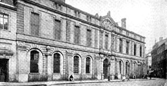 Bordeaux municipal library - The library c. 1920, in the old monastery building