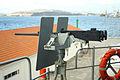 Ametralladora Browning M-2 de 12.7 mm de estribor, junto al puente de mando (16007022283).jpg