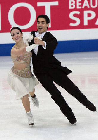Compulsory dance - Anna Cappellini and Luca Lanotte perform the Finnstep.