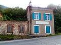 Antica casa cantoniera della SS 57 presso Prevallo.JPG