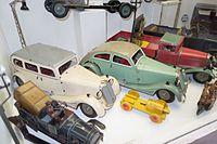 Antique toy cars (27024908886).jpg