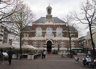 Apeldoorn - Former town hall in 2012