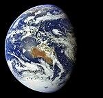 Apollo 17 Image of the Earth (AS17-148-22742).jpg