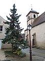 Archelange - Sapin de Noël et église.jpg