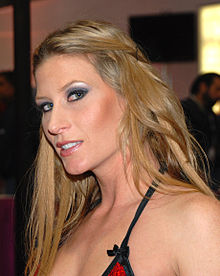 Ariel X at AVN Adult Entertainment Expo 2009 3 alt.jpg