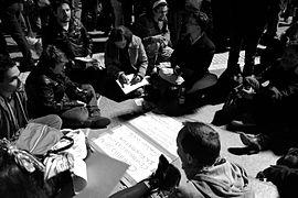 270px-Atelier_lors_de_la_Nuit_Debout_%C3%A0_Montpellier_%28_40_mars_%29 dans Ufoscepticisme