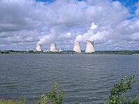 Atomkraftwerk Cattenom und Kühlwasserstausee Lac du Mirgenbach.JPG