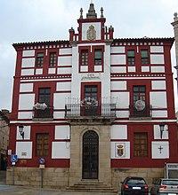 Ayuntamiento de Torrejoncillo.jpg