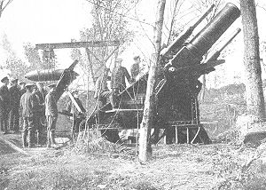 BL 15-inch howitzer - In action at Englebelmer Wood, Somme, 7 August 1916