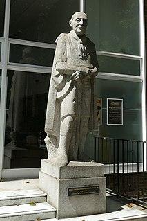 Statue of Robert Baden-Powell, London statue in London