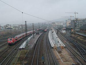 Deutsch: Der Bahnhof Aschaffenburg wird renoviert.