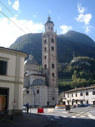 Tirano - Image: Basilika Tirano 04