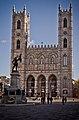 Basilique Notre-Dame et Place d'Armes.jpg