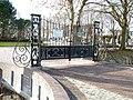 Bedum - begraafplaats - hek.jpg
