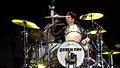 Billie Joe Armstrong en batería.jpg