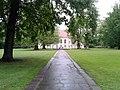 Blick zum Schloss Schönhausen Gartenseite Mai 2013 - panoramio.jpg