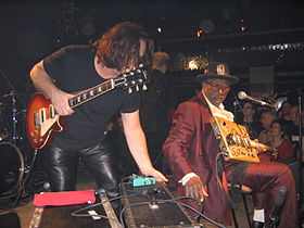 Bo Diddley Prag 2005 06.jpg