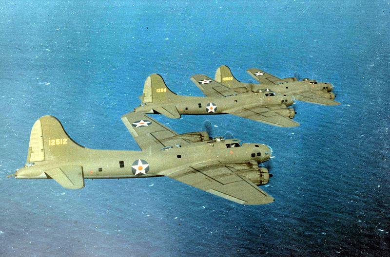 File:Boeing B-17Es 1941-42.jpg