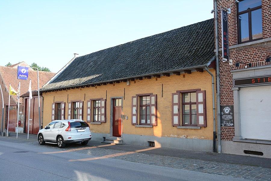 Boerenhuis, Alfred Algoetstraat 31, Sint-Kwintens-Lennik