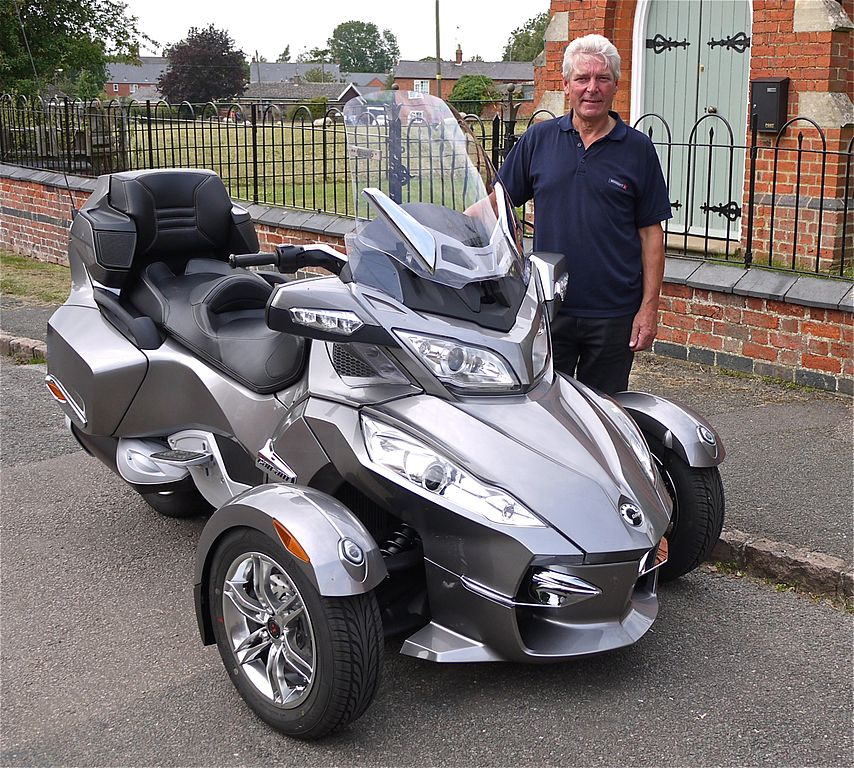 file bombardier can am spyder trike flickr mick wikimedia commons. Black Bedroom Furniture Sets. Home Design Ideas