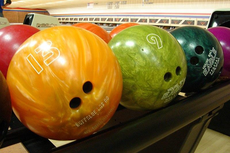 File:Bowlingball.JPG