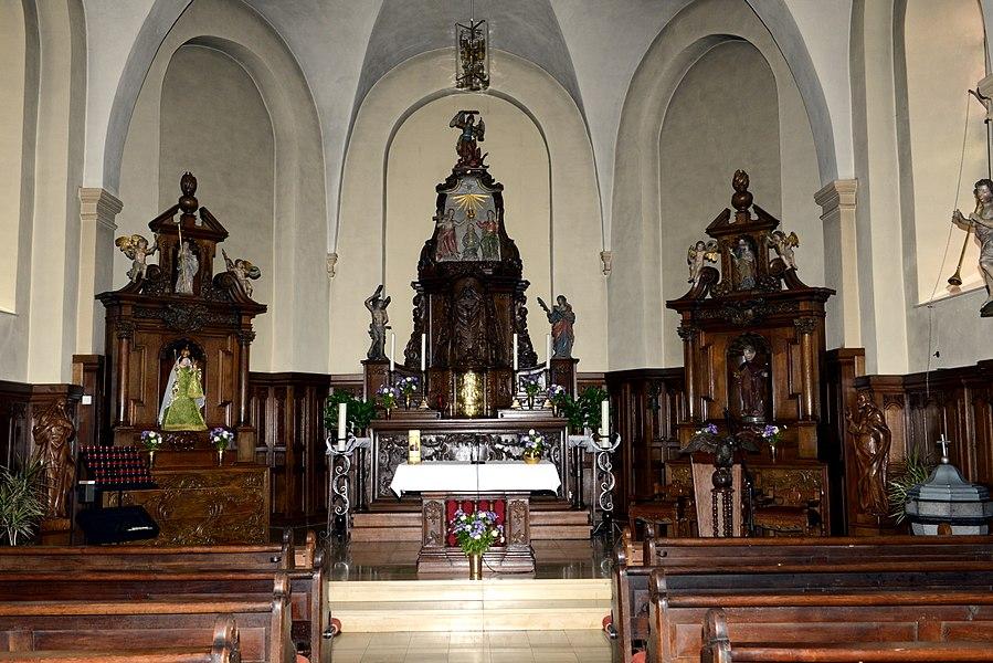 De Chouer an d'Altär an der Kierch zu Buerschent.
