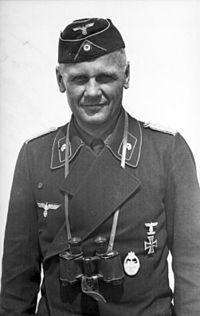 Bundesarchiv Bild 101I-186-0194-07A, Russland, Panzersoldat.jpg