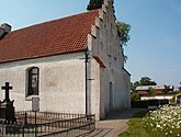 Fil:Burlövs gamla kyrka 2.jpg