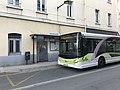 Bus de ville à l'arrêt gare de Valence-Ville à Valence (Drôme).jpg