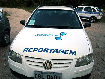 English: Reporter automobile of Rede TV! Recif...
