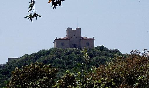 Castello di Punta Ala, Facciata Castello di Punta Ala